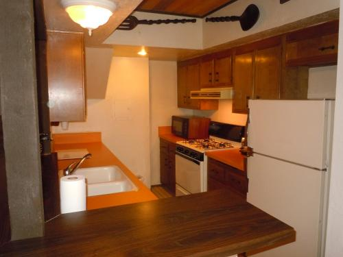 Two-Bedroom Standard Unit #53 by Escape For All Seasons - Big Bear Lake, CA 92315