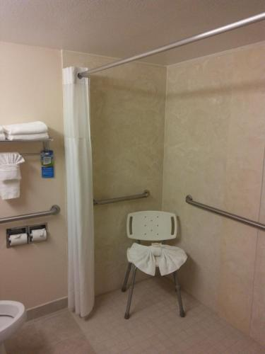 Baymont Inn and Suites Florida Mall photo 16