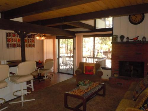 Two-Bedroom Deluxe Unit #3 by Escape For All Seasons - Big Bear Lake, CA 92315