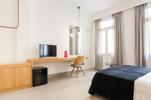 Monk suites by MLT at Ermou photo 18