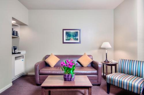 University Park Inn & Suites - Davis, CA 95616