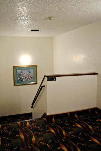 Americas Best Value Inn St. Joseph Photo