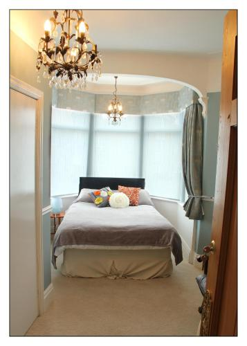 Photo of Dunsandles Guesthouse Hotel Bed and Breakfast Accommodation in Wallasey Merseyside