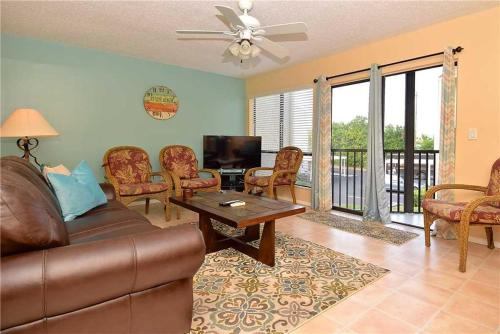 Bay Oaks B-52 - Two Bedroom Condominium