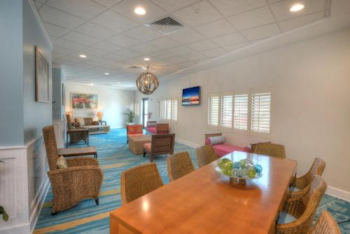 Bahama House - Daytona Beach Shores Photo