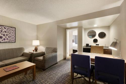 Embassy Suites by Hilton Santa Ana Orange County Airport - Santa Ana, CA 92705
