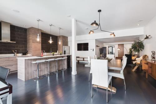 MtlVacationRentals - Penthouse du Mont-Royal Photo