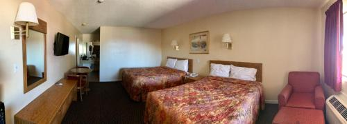 Regal Motel Las Vegas New Mexico Photo