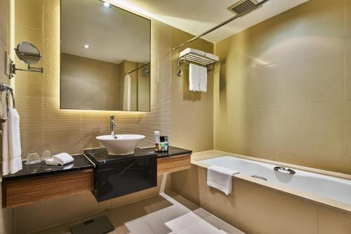 Four Points by Sheraton Shanghai, Daning photo 37