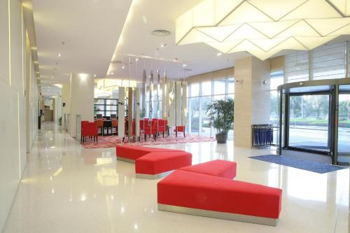 Holiday Inn Express Meilong Shanghai photo 4