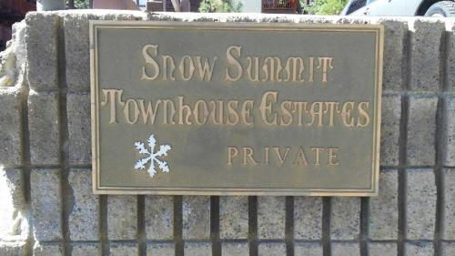 Two-Bedroom Premier Townhouse Unit #11 by Snow Summit Townhouses Photo