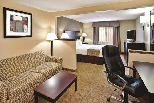La Quinta Inn & Suites Frankfort Photo