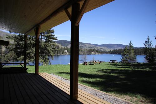 Lac Des Roches Resort Photo