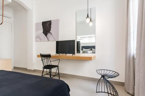Monk suites by MLT at Ermou photo 28
