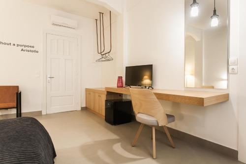 Monk suites by MLT at Ermou photo 33