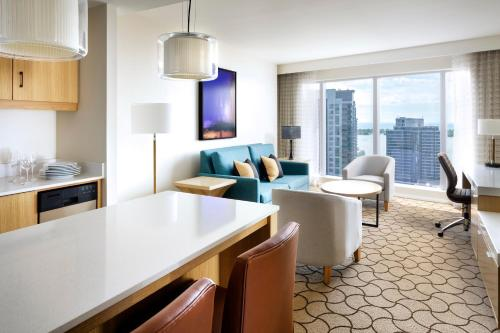 Delta Hotels by Marriott Toronto Photo