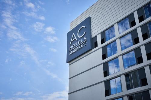Hotel AC Hotel By Marriott Raleigh North Hills thumb-4