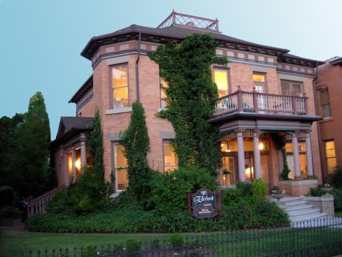 Historic Ellerbeck Mansion Bed & Breakfast Photo
