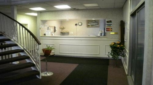 Welcome Inn and Suites Photo