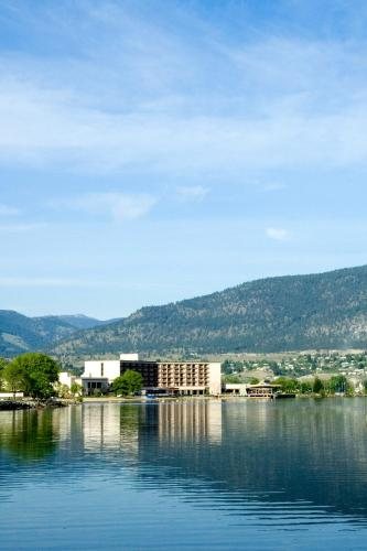 Penticton Lakeside Resort Photo