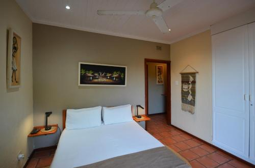 Beachcomber Bay Guest House Photo
