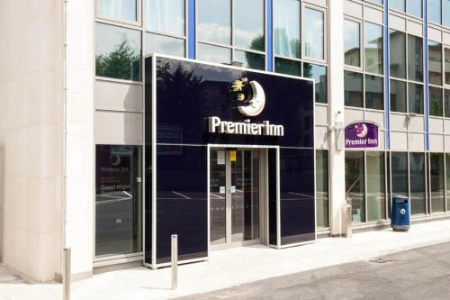 Premier Inn London Hendon - The Hyde photo 23