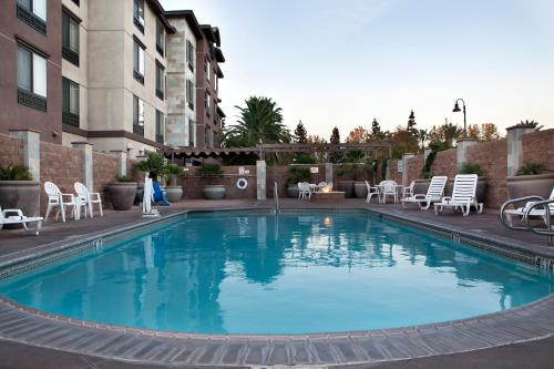 Country Inn & Suites by Carlson, Ontario Photo