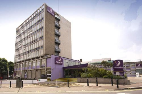 Premier Inn London Putney Bridge photo 1