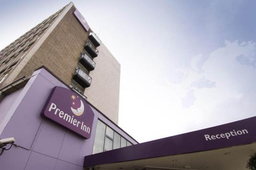 Premier Inn London Putney Bridge photo 23