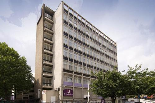 Premier Inn London Putney Bridge photo 25