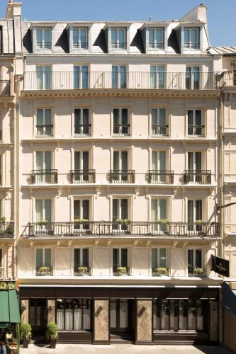 36 Rue de Saint–Quentin, 75010 Paris, France.