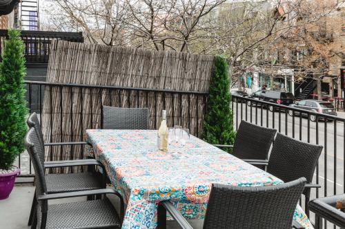 MTLVacationRentals - The City Chalet Photo