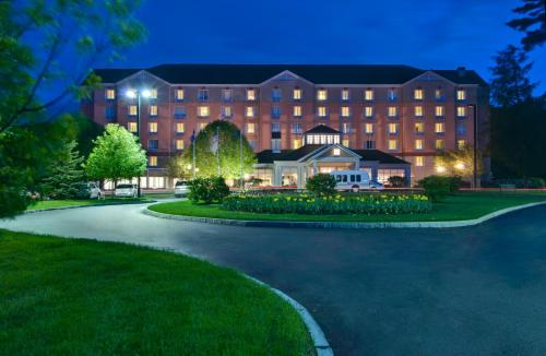 Hilton Garden Inn Albany Airport Photo