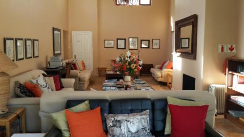 Riversong Guest House Photo