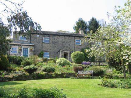 Browside Farmhouse B&B in Skipton, North Yorkshire, England
