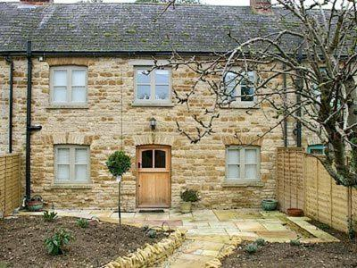 Pear Tree Cottage in Kingham, Oxfordshire, England