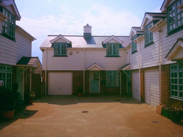 Bo's Holiday Cottage in Eastbourne, East Sussex, England