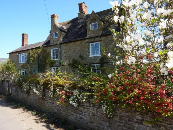 Home Farmhouse Bed and Breakfast in Charlton, Northamptonshire, England