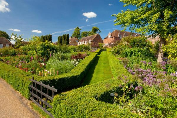 Leeds Castle Holiday Cottages in Maidstone, Kent, England