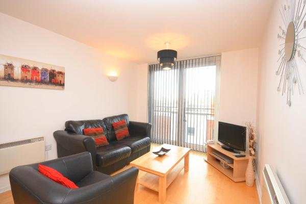 Town or Country - Sirocco Apartments in Southampton, Hampshire, England