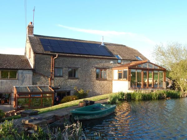 Astwell Mill Bed and Breakfast in Helmdon, Northamptonshire, England