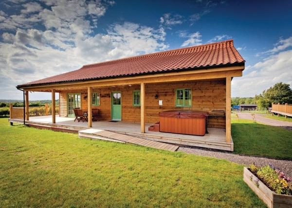 Oak Farm Lodges in Roydon, Norfolk, England