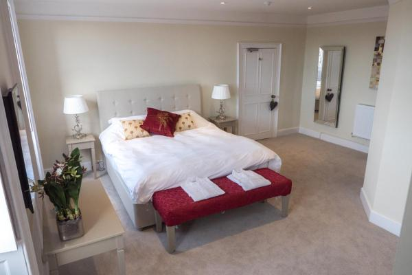 Broadway House Luxury Serviced Rooms in Exeter, Devon, England