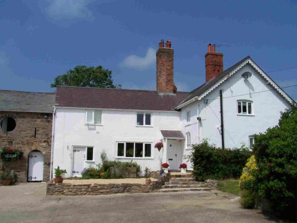 Broncoed Uchaf Country Guest House in Mold, Flintshire, Wales