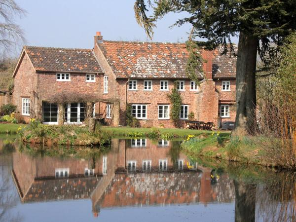 Middle Burrow Bed and Breakfast in Timberscombe, Somerset, England