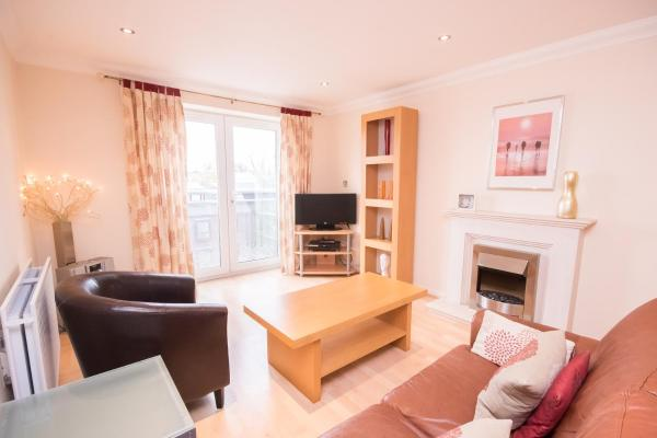 Town or Country - Central Park Apartments in Southampton, Hampshire, England
