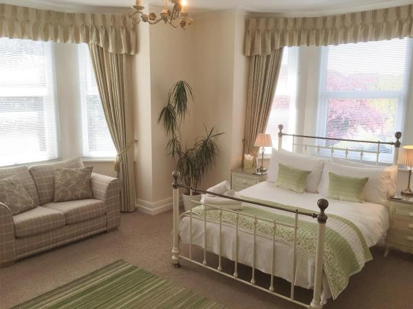 Number 10 Self Catering in Southampton, Hampshire, England