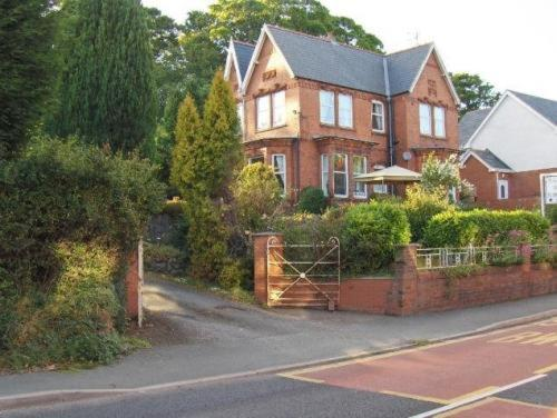 Oaklands bed and Breakfast in Llangollen, Denbighshire, North Wales