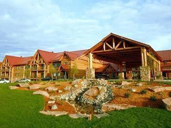 Lodge at Cedar Creek Photo