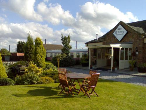 Sidings Hotel & Restaurant in Tollerton, North Yorkshire, North East England
